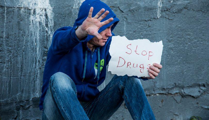 Symtom på alkohol- eller drogberoende